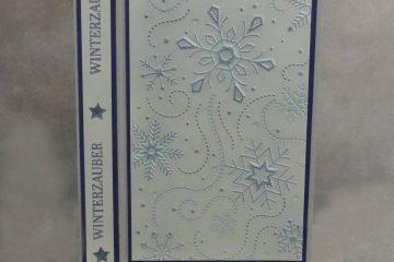 Schneeflocken geprägt